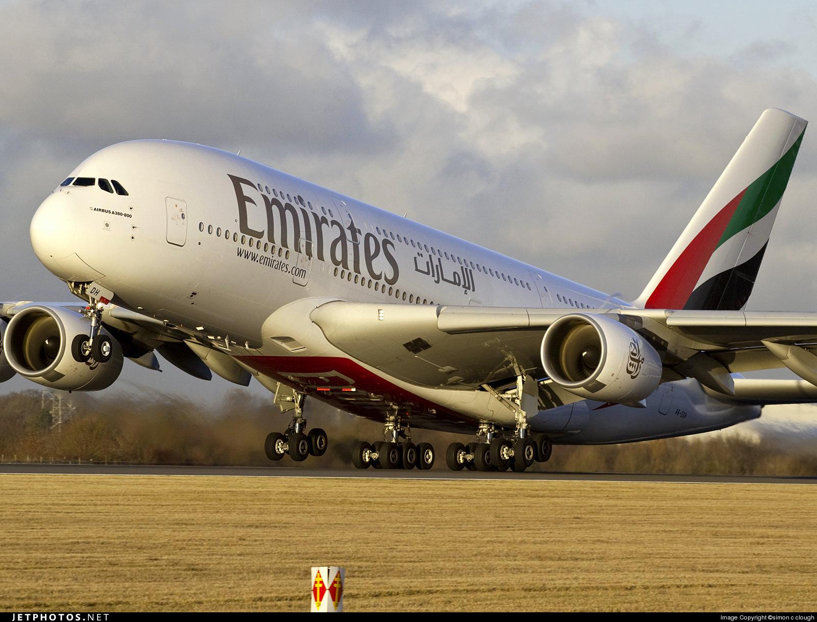 Resultado de imagem para a380 emirates