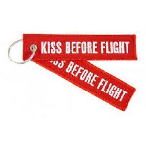 "Porta-chaves ""Kiss Before Flight`"