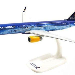 "B757-200 (Icelandair ""Vatnajökull"") TF-FIR ""80 Years of Aviation"" (Herpa Wings 611848)"