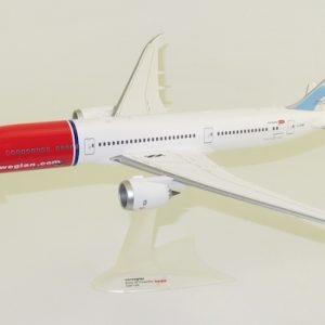 "B787-9 (Norwegian ""Babe Ruth"") G-CKMU (Herpa Wings 559140)"