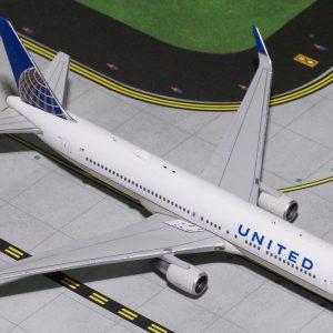 B767-300ER (United) N676UA (Gemini Jets GJUAL1800)