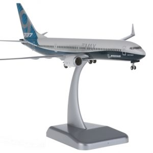 B737-9MAX (Boeing House Colors) Snap fit with stand and gears (Hogan HG10871)