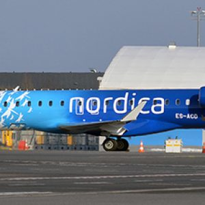 Canadair CRJ900 (Adria Airways / Nordica Livery) ES-ACD With Stand (JC Wings XX2365)