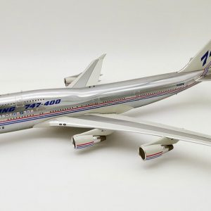 """Boeing B747-400 Boeing House Color N401PW """"Polished"""" with stand (Inflight 200 IF744BOEING30-P)"""