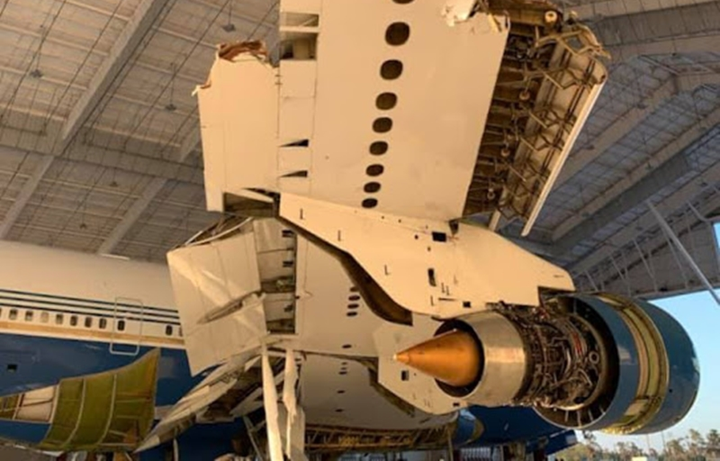 Furação Laura destrói parte de Boeing 747SP executivo em manutenção