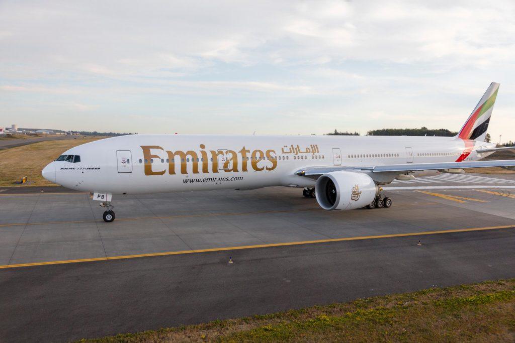 Emirates vai retomar diários para Newark via Atenas a partir do dia 1 de junho