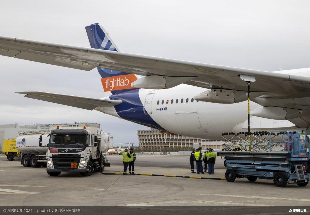 Primeiro ensaio sobre emissões de combustível de aviação 100% sustentável em aviões de passageiros
