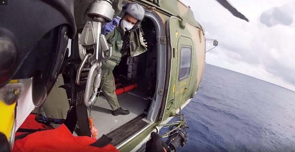 Força Aérea Portuguesa resgate homem em navio (com vídeo)