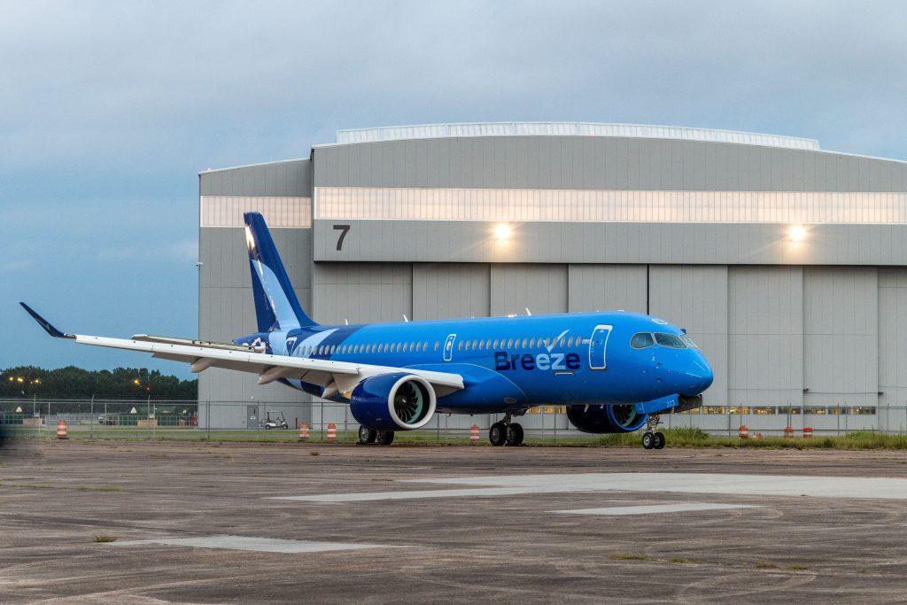 Breeze Airways revela o seu primeiro A220 e confirma pedido extra para 20 unidades A220-300